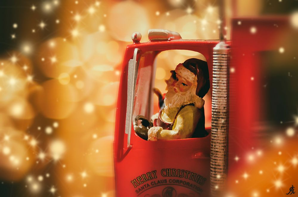 Photo in Random #santa #claus #corporation #babbo #natale #xmas #christmas #decorations #red #holiday