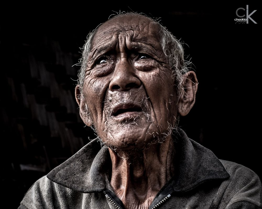 Photo in Street Photography #lonely elderly #lonely #travel #documantary #east jawa #indonesia #fuji xt-1 #fujinon 35mm f/1.4r