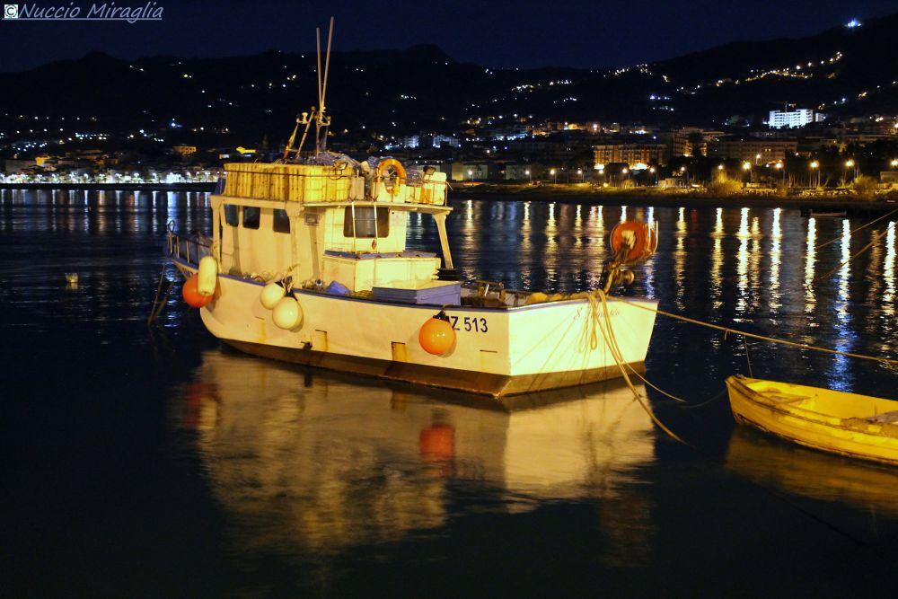 Photo in Landscape #barca #pesca #sicilia #porto #notte