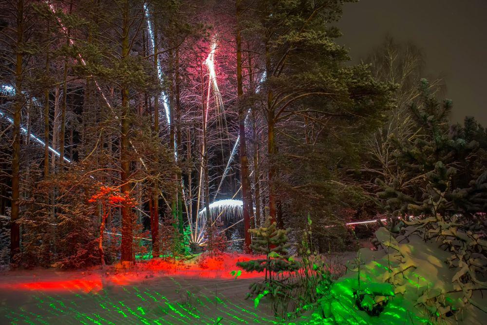 Photo in Random #lightpainting #longexposure #lightart #light painting #long exposure #nightshot #nightscape #fireworks #nightphotography #sparks #ledlenser #greenlaser