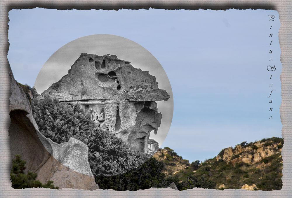 Photo in Abstract #faccia #roccia #doppio