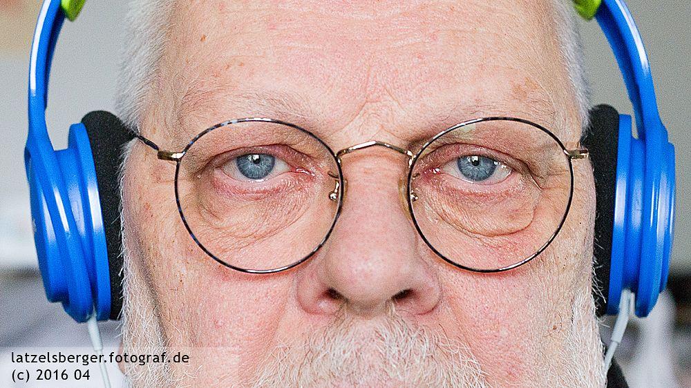 Photo in Portrait #brille #latzelsberger #sehen & hören