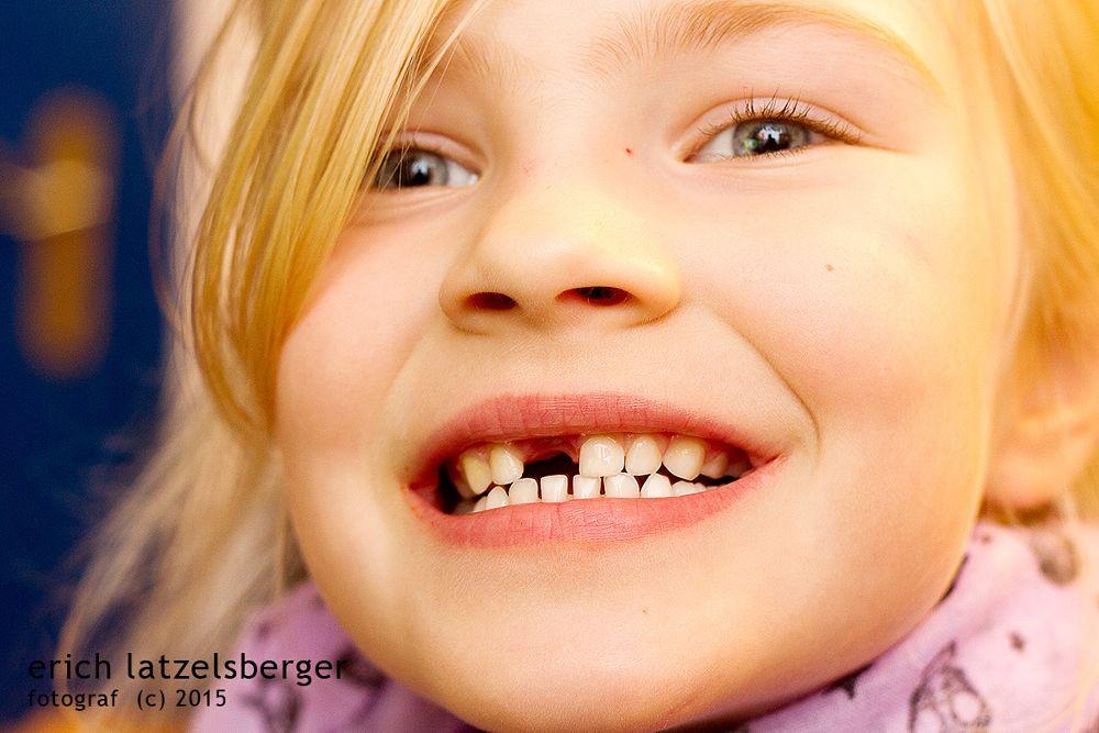 Photo in Portrait #romy #zahn #tooth #child #girl #mädchen