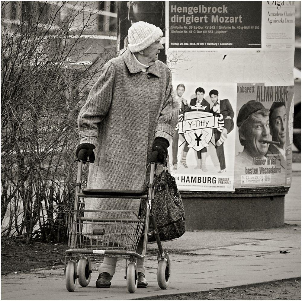 Photo in Street Photography #hamburg #reeperbahn #woman #old #street #black and white #monochrome #rena sap