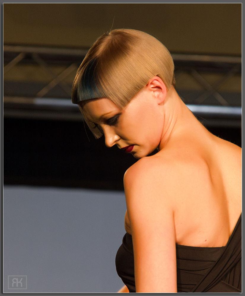 Photo in Fashion #hair #fashion #girl