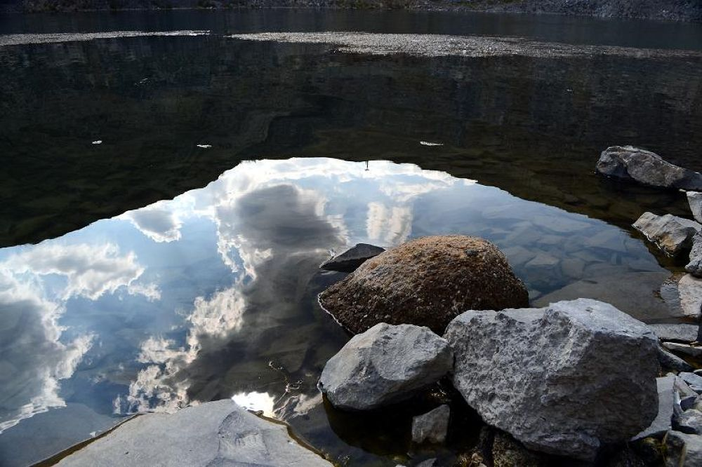 Photo in Nature #lac #reflexii #nori #roci