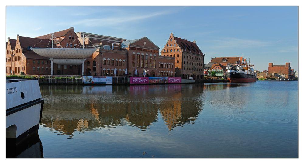 Photo in Cityscape #gdańsk #poland #water #buildings #city #nikon #d200 #nikon d200