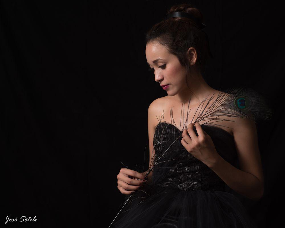 Photo in Portrait #josé sotelo #portrait #studio #méxico #flash #beauty #young #girl