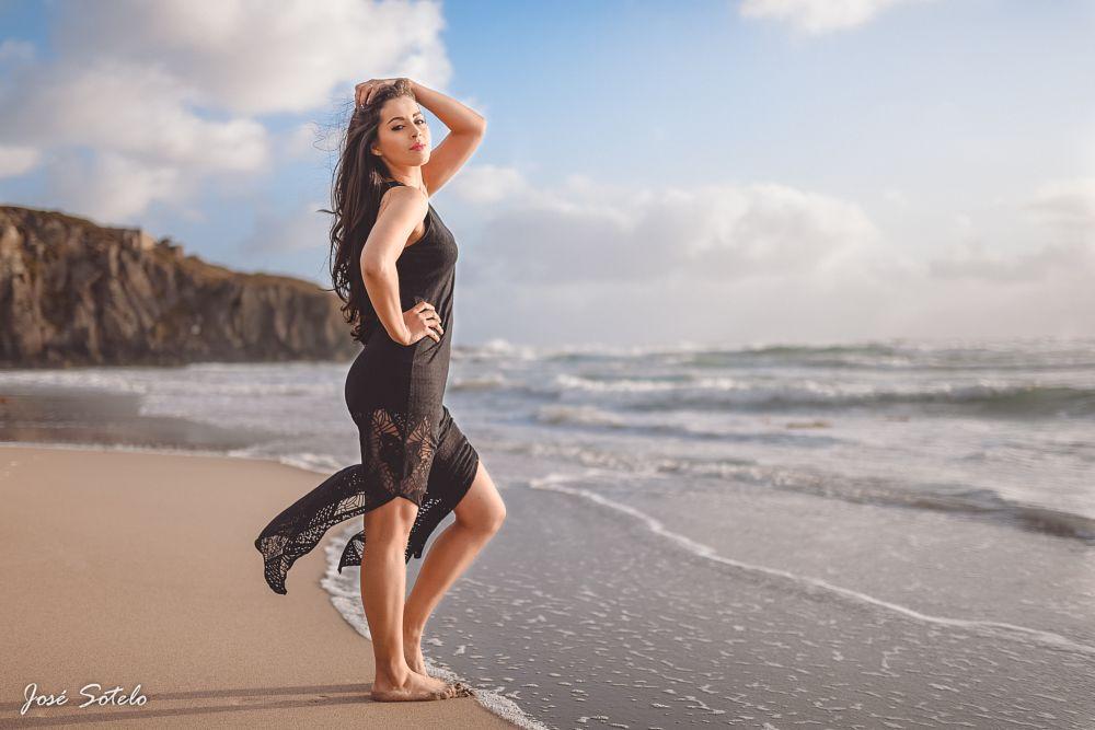 Photo in Portrait #jose sotelo #sigma art #35mm #d750 #girl #beach #sensual #latin #mexico