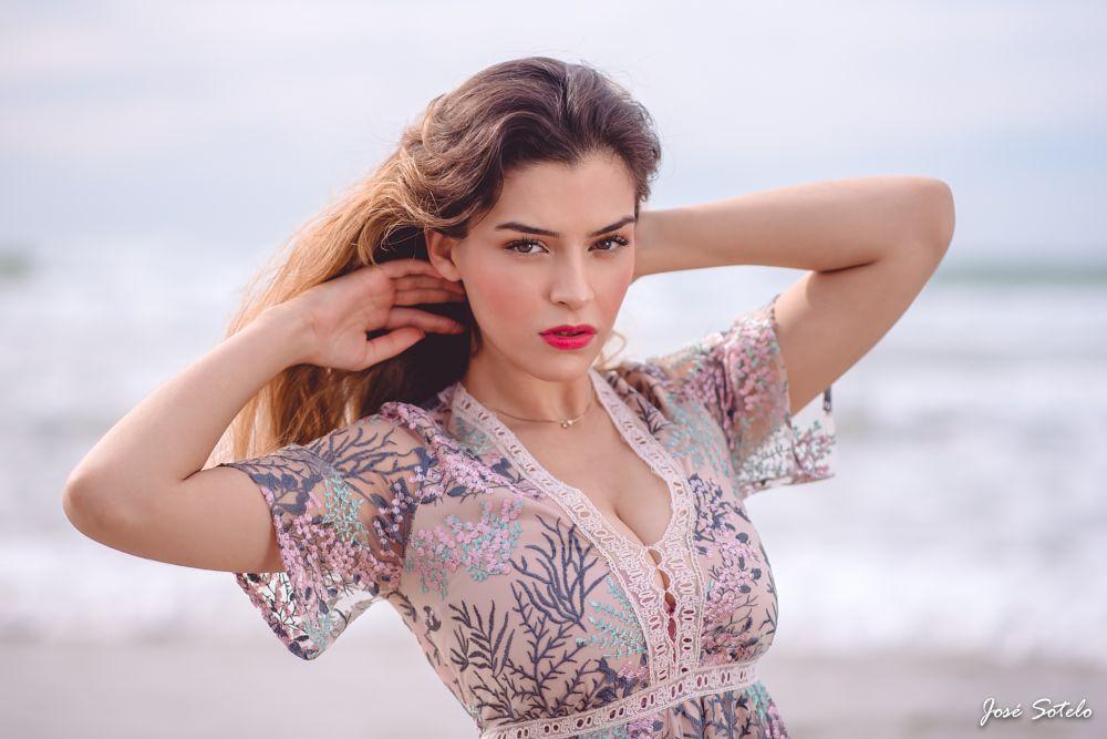 Photo in Portrait #jose sotelo #portrait #eyes #beauty #young #eyespretty #colors #sea #latina #best #follow