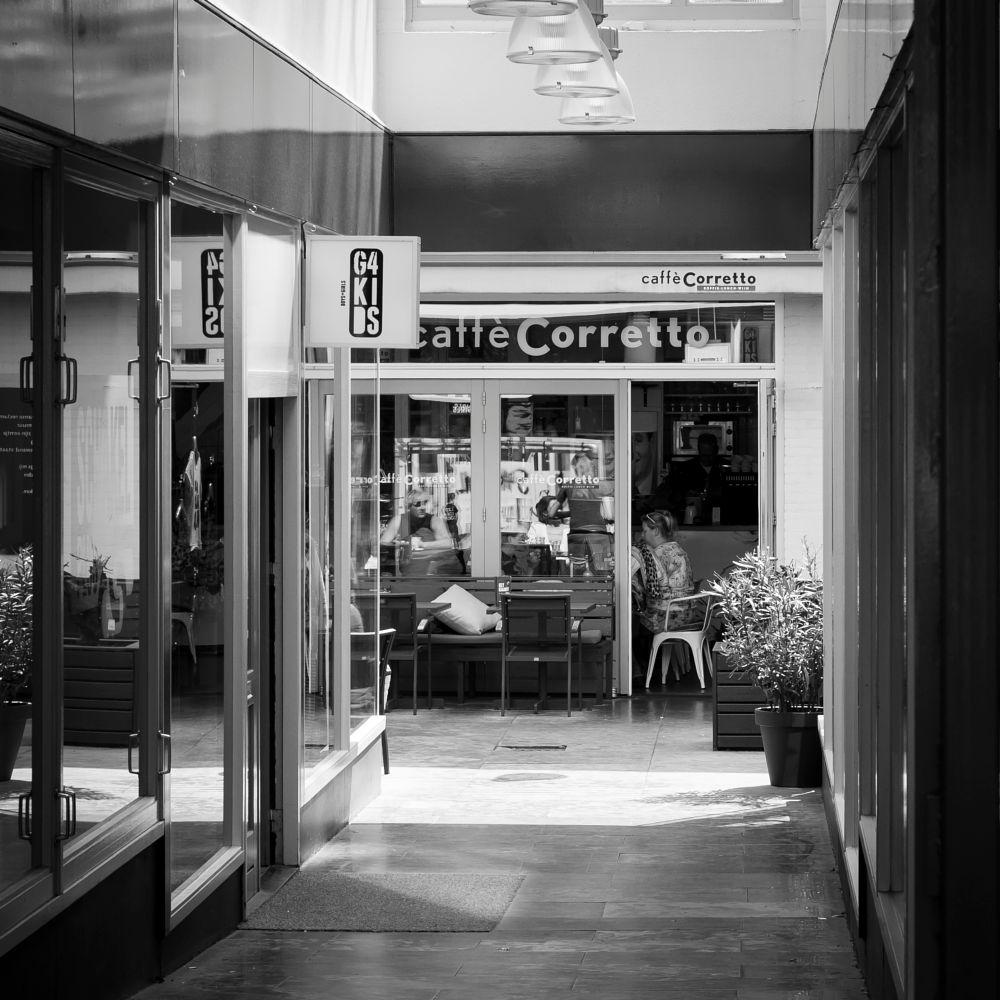 Photo in Black and White #koffie #zwart/wit #straatfotografie
