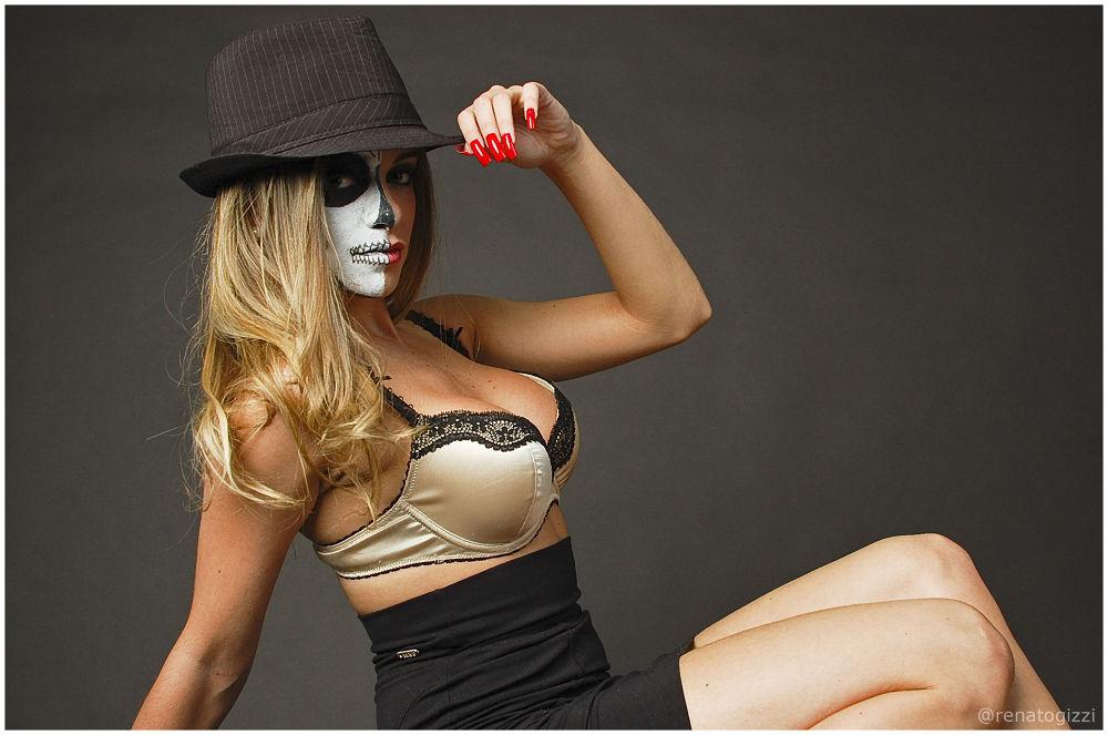 Photo in Portrait #book #studio #blond #sexy #woman #skull #brazil #sp