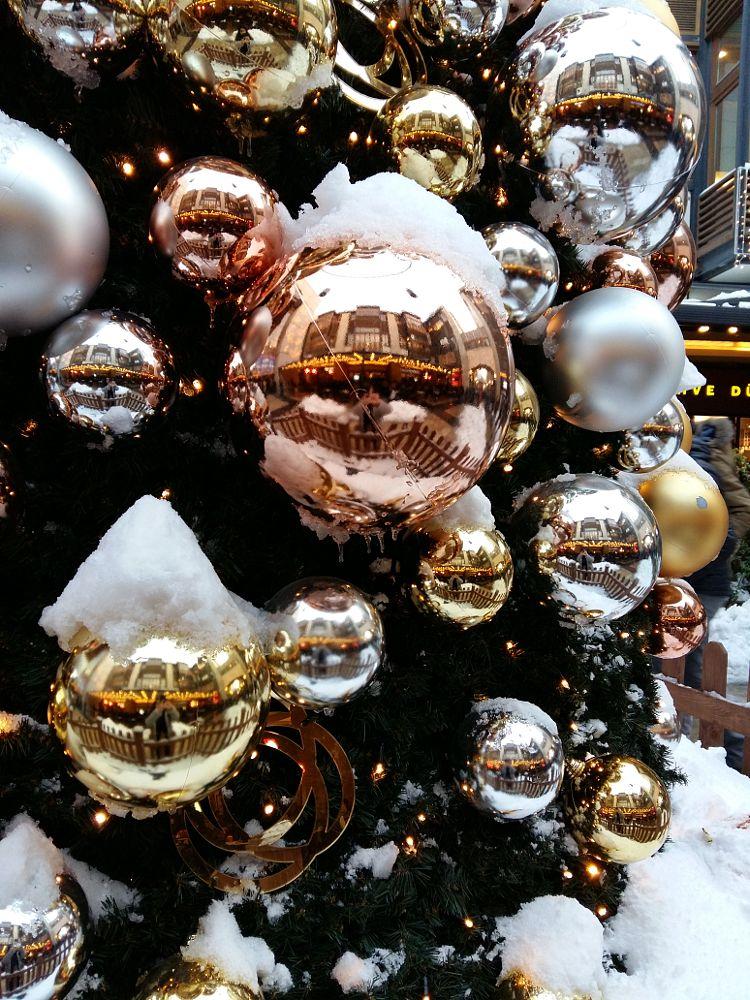 Photo in Random #christmas #tree #snow #istanbul