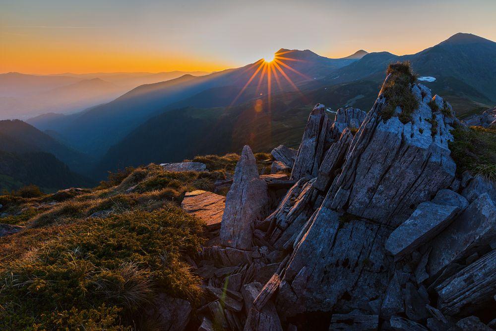 Photo in Landscape #lacarti #rodnei #radnai #landscape #phorography #romania #erdély #transilvania #transylvania #mountains #sunrise #summer #lights #rock #morning