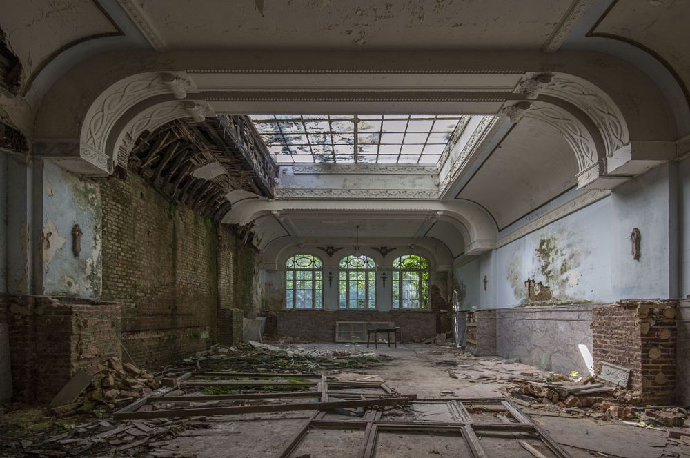 Photo in Architecture #decay #decayed #decaying #forgotten #lost #derelict #travel #travelling #belgium #urban #urbex #ue #explore #exploring #exploration #nikon #history #ornate #grand #window #dining