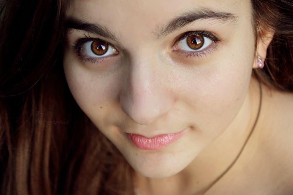 Photo in Portrait #portrait #regard #fille #emotion #beauté #nikon #personne #visage