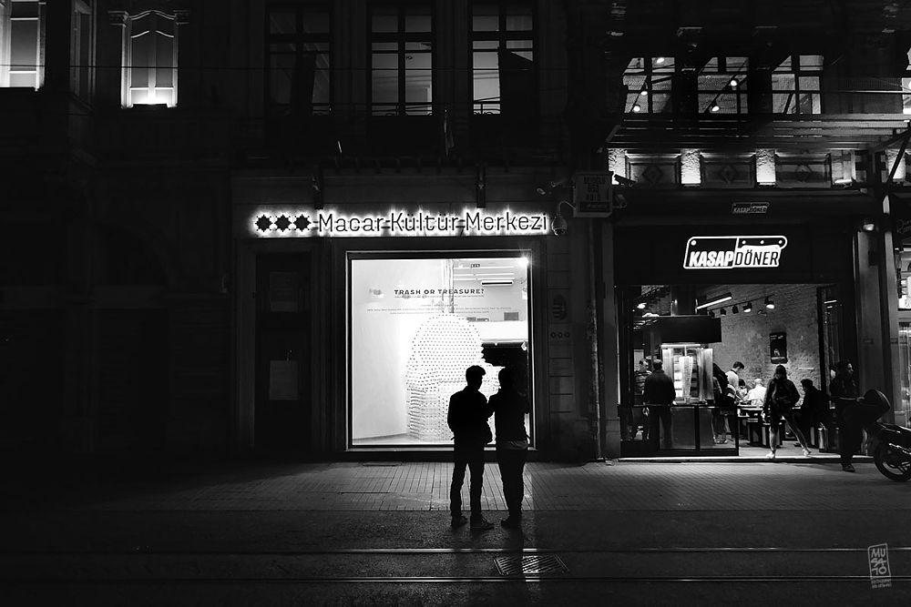 Photo in Street Photography #night #people #street #musato