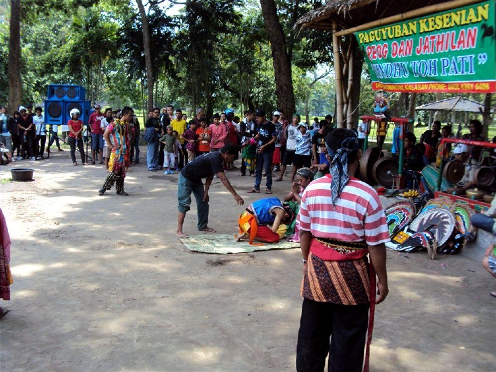 Photo in Random #in #temple #& #prambanan #reog #jathilan