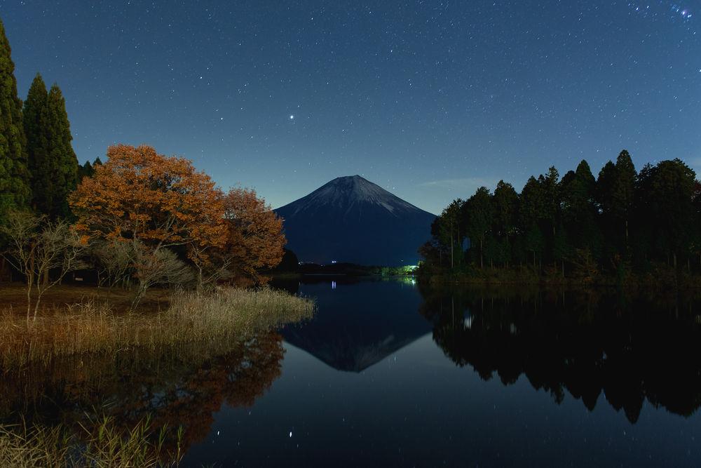 Photo in Random #japan #yamanashi #shizuoka #landscape #nature #sky #star #mountain #mtfuji #mt.fuji #lake #photographer #ginjifukasawa #日本 #山梨 #静岡 #田貫湖 #景色 #星空 #夜景 #星 #湖 #富士山 #深澤銀二
