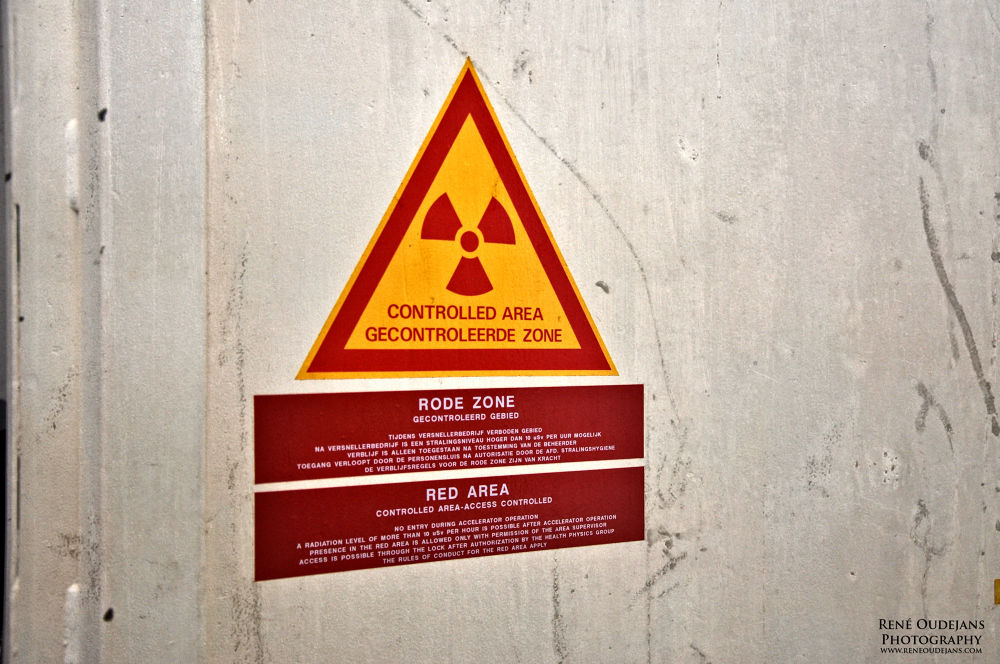 Photo in Industrial #nikon #d90 #amsterdam #radio active #urbex #red area #sign #warning