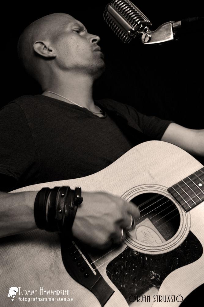 Photo in Random #performance #music #guitar #mic #live #örjan struxsjö #tommy hammarsten