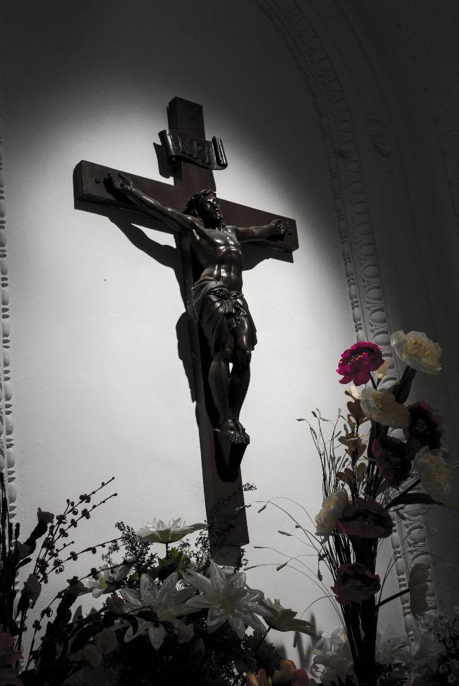 Photo in Cityscape #jesus #bible #biblia #iglesia #church