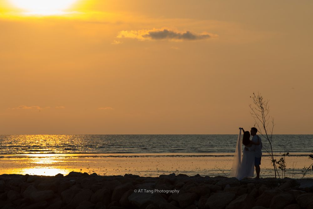 Photo in People #sunset #couple #dating #romantic #romantic moment #sun #sea #seascapes