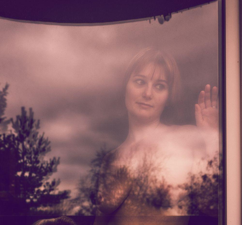 Photo in Portrait #femme #woman #fenêtre #window