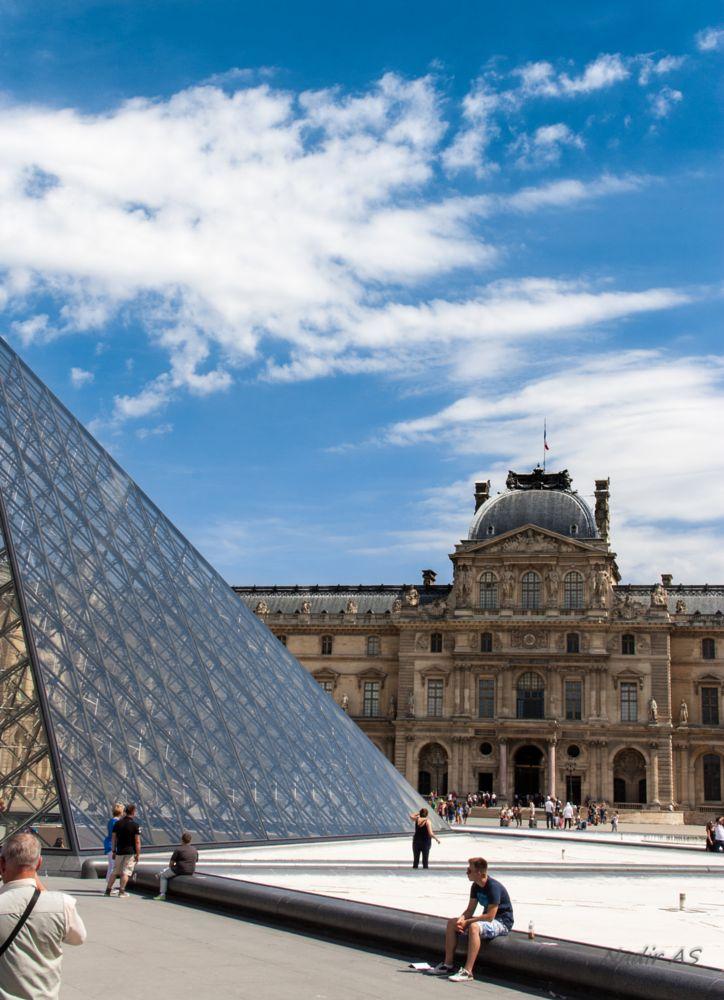 Photo in Architecture #louvre #paris #summertimes