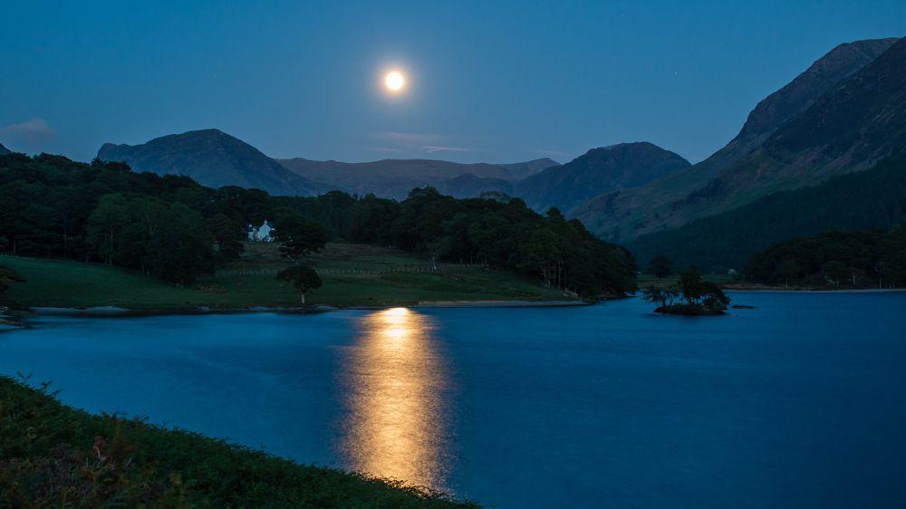 Photo in Random #full moon #cumbria #lake district #crummock water #buttermere #night
