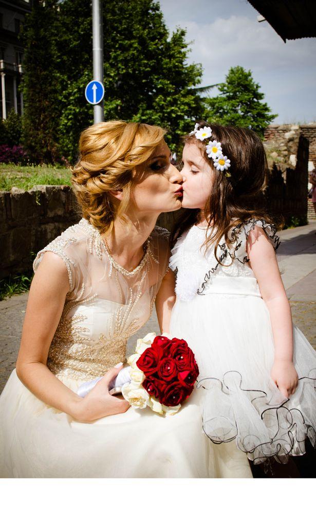 Photo in Wedding #wedding #ქორწილი #baby #ბავშვი #kiss #georgia #tbilisi #საქარველო #თბილისი