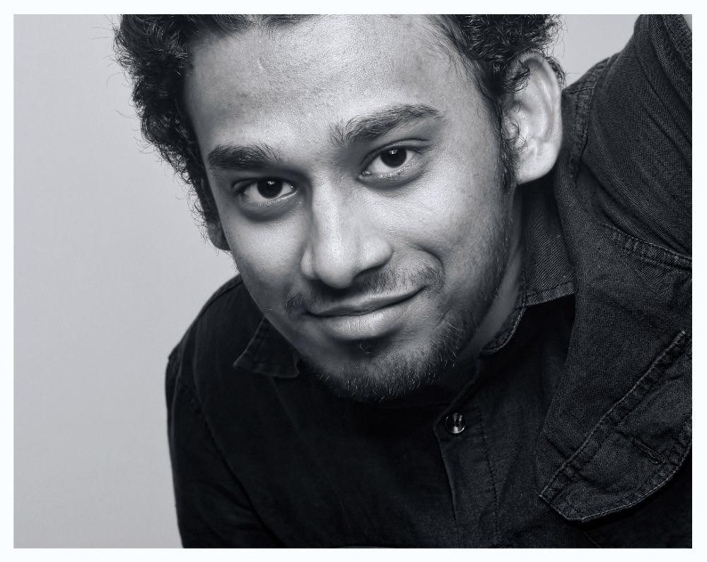 Photo in Random #canon 550d #portrait #50mm lens #black & white #smile #myself #saudi arabia #jeddah #flash