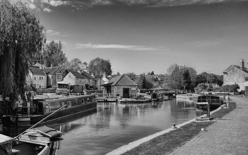 Photo in Landscape #canal #kennet and avon #bradford on avon #england #britain #summer #black and white #landscape