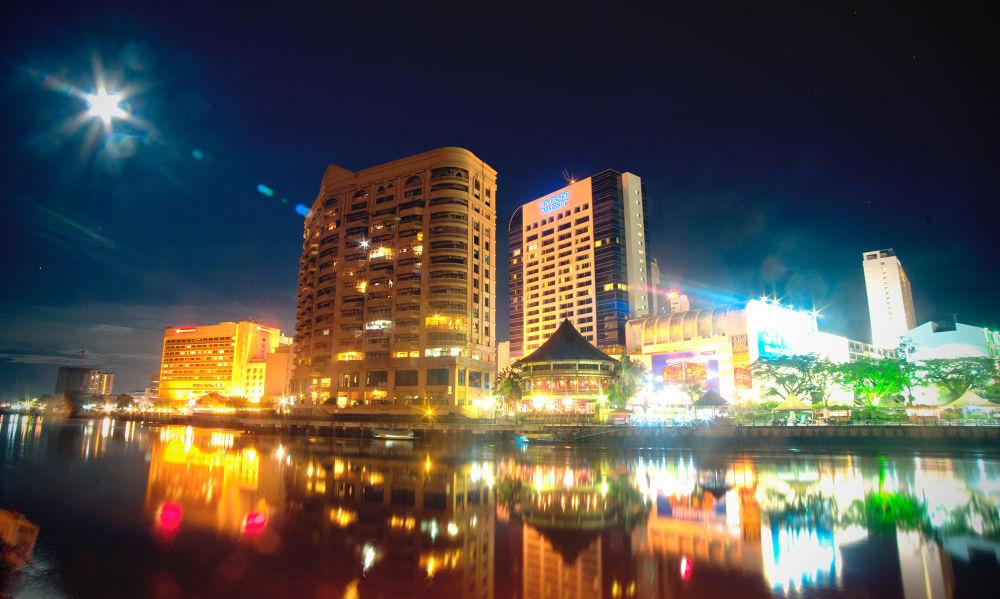 Photo in Landscape #nature #landscape #night photography #sarawak river #kuching sarawak #kuching waterfront #riverside majestic #beijing riverbank #grand margerita #ypa2013