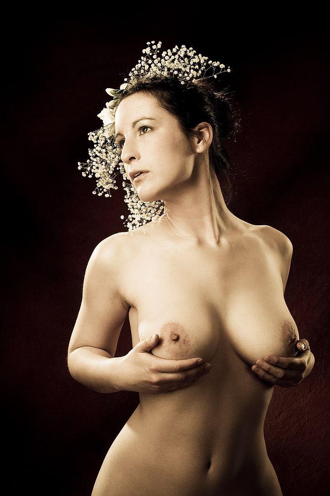 Photo in Nude #woman #flowers #nude #effjot