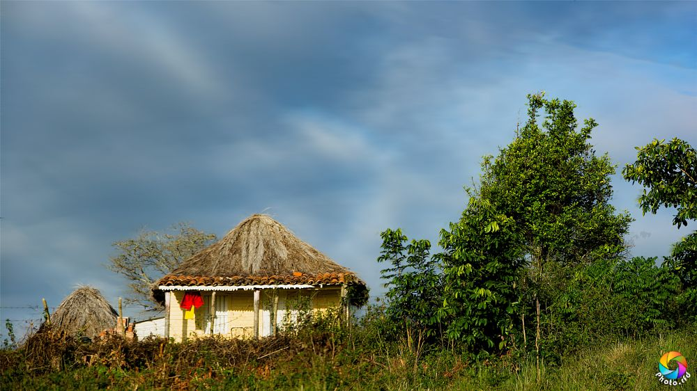 Photo in Landscape #bohío #casa #campo #cielo #azul #nubes #home #field #sky #blue #clouds #cuba