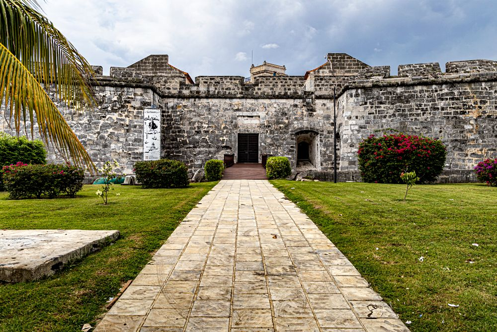 Photo in Cityscape #castle #architecture #building #walls #stone #sky #travel clouds #garden #old #city #cityscape #urban