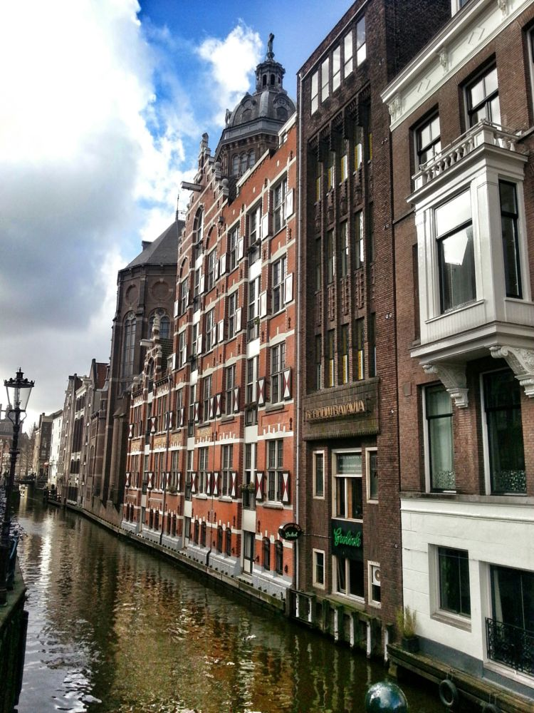 Photo in Cityscape #amsterdam #city #houses #old #buildings #canal #photography