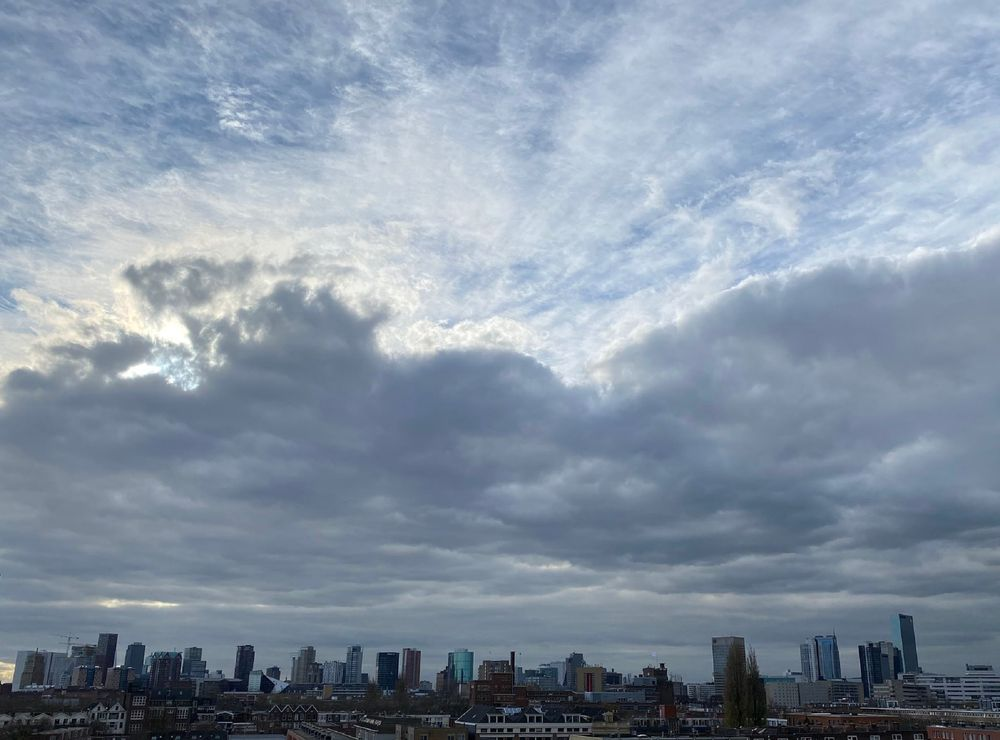 Photo in Cityscape #sky #rotterdam #clouds #buildings