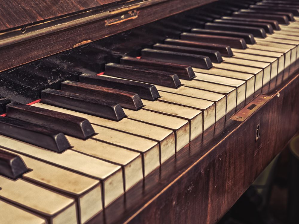 Photo in Vintage #abandoned #piano #vintage