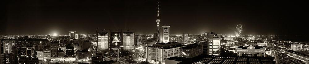 Photo in Cityscape #nightshot #kuwait #city #lights #panorama