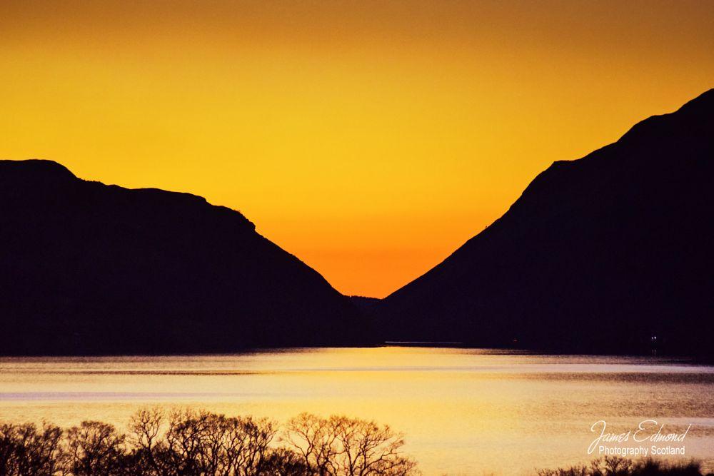 Photo in Landscape #loch #lochlong #water #mountains #sun #sunset #sunsetting #highlands #scotland #scottish #jedmondphotography
