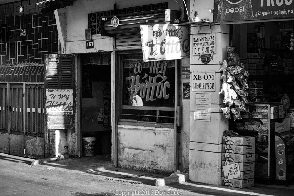 Photo in Street Photography #sài gòn #việt nam #life #street #street life #urban #urban life #bnw #black and white