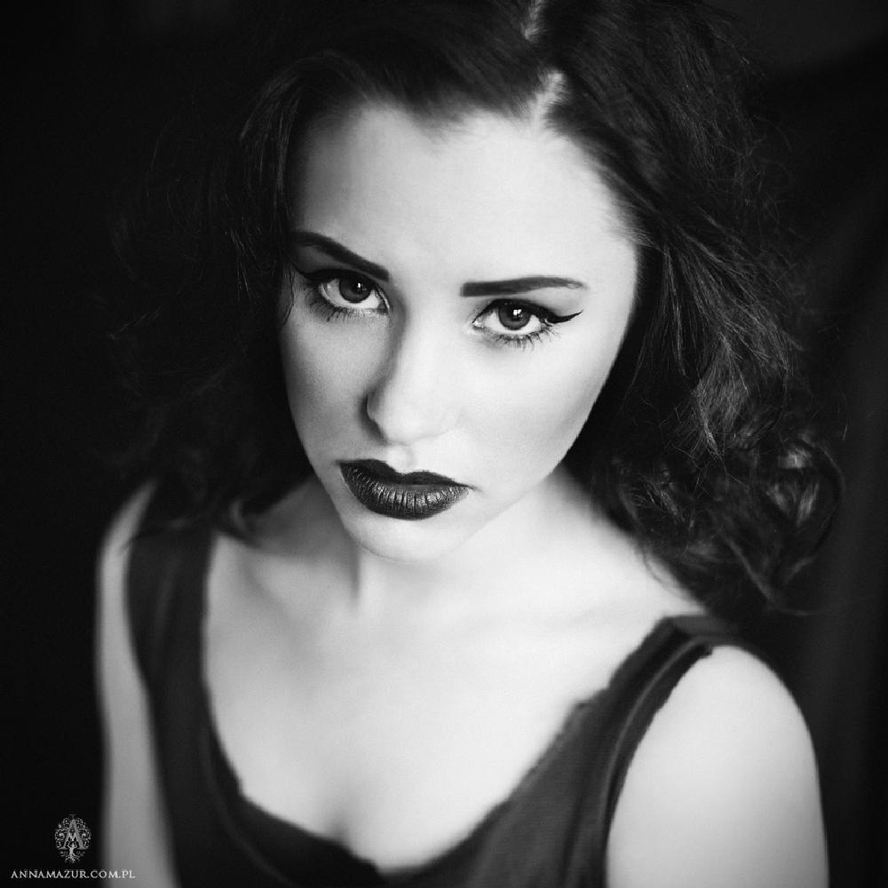 Photo in Portrait #anna #mazur #dekadencko #zlosnica #portrait #bw #elegant