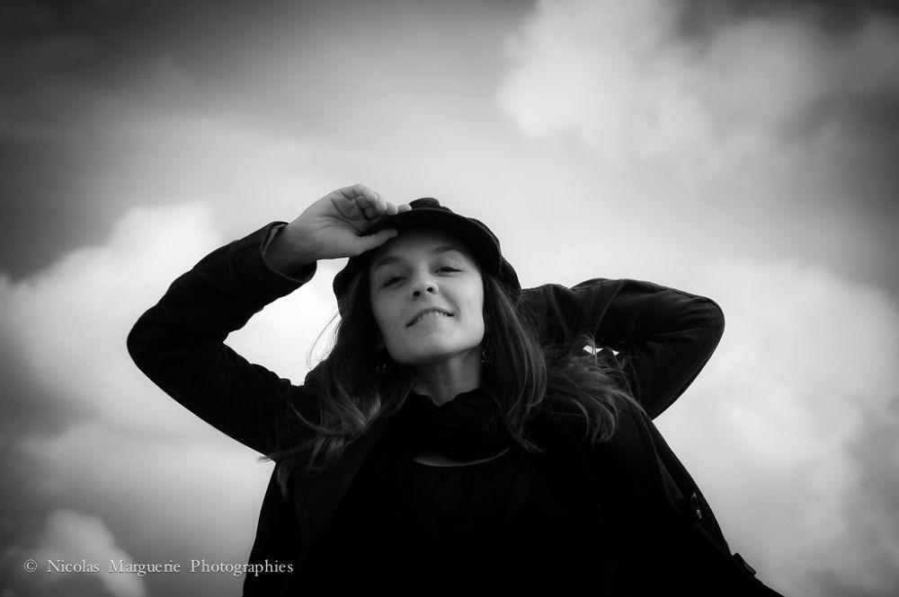 Photo in Portrait #france #paris #portrait #sarah #femme #woman #fille #girl #noir et blanc #black and white #b&w #n&b