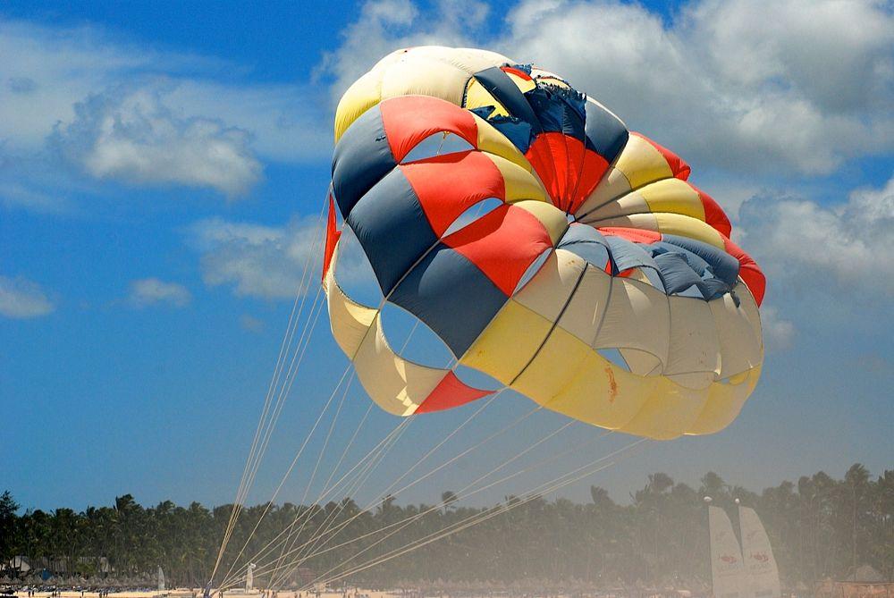 Photo in Sports #parasailing #summer #sun #fun #ocean #beach