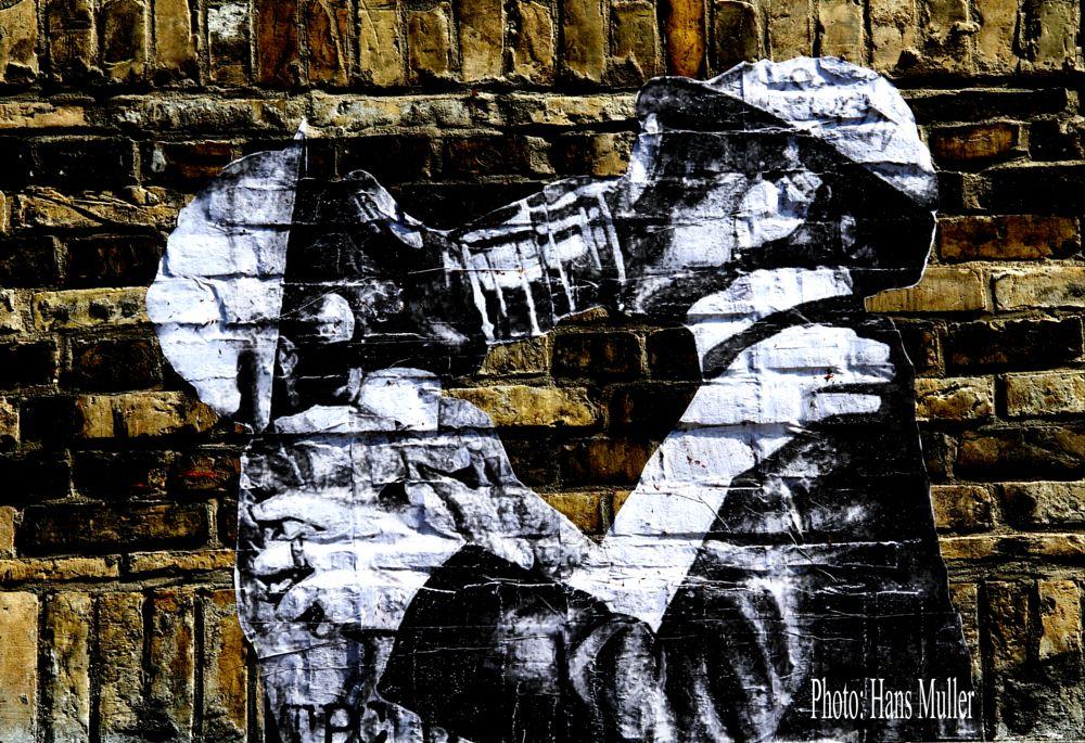 Photo in Cityscape #wallpaint #berlin #city-art
