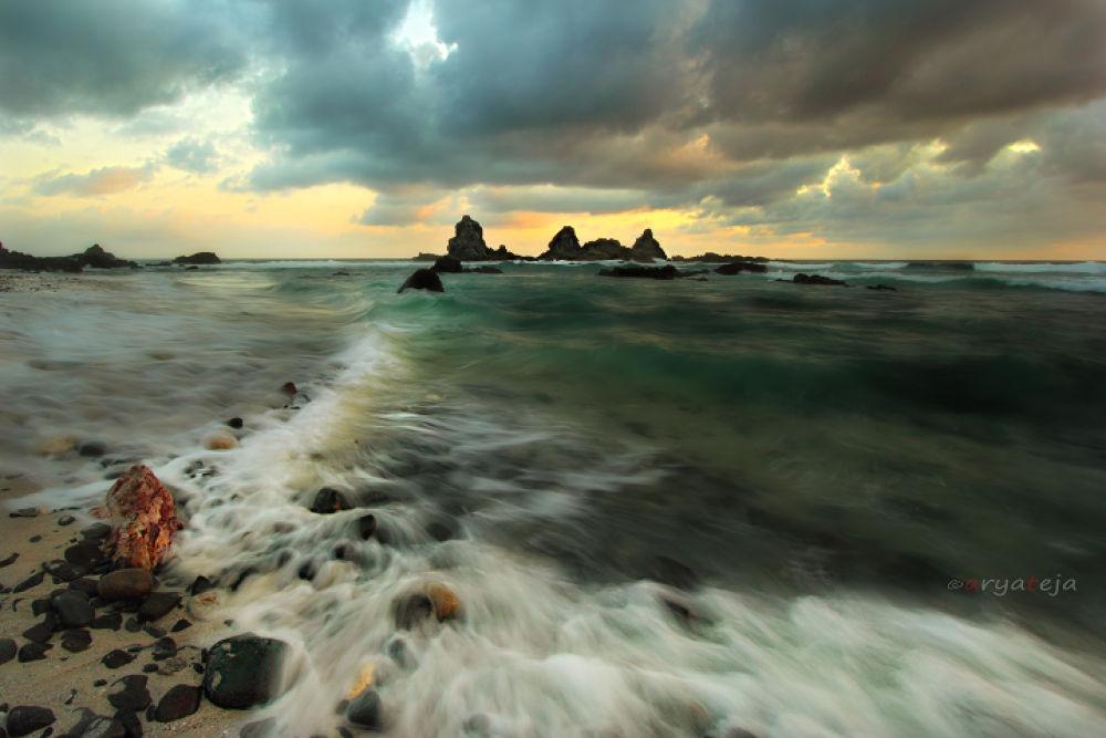 Photo in Landscape #indonesia #landscape #seascape #lombok #west nusa tenggara #tampah beach