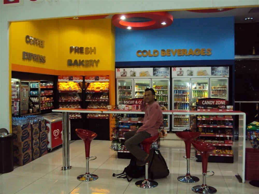 Photo in Random #circle #k #t3 #sukarno #hatta