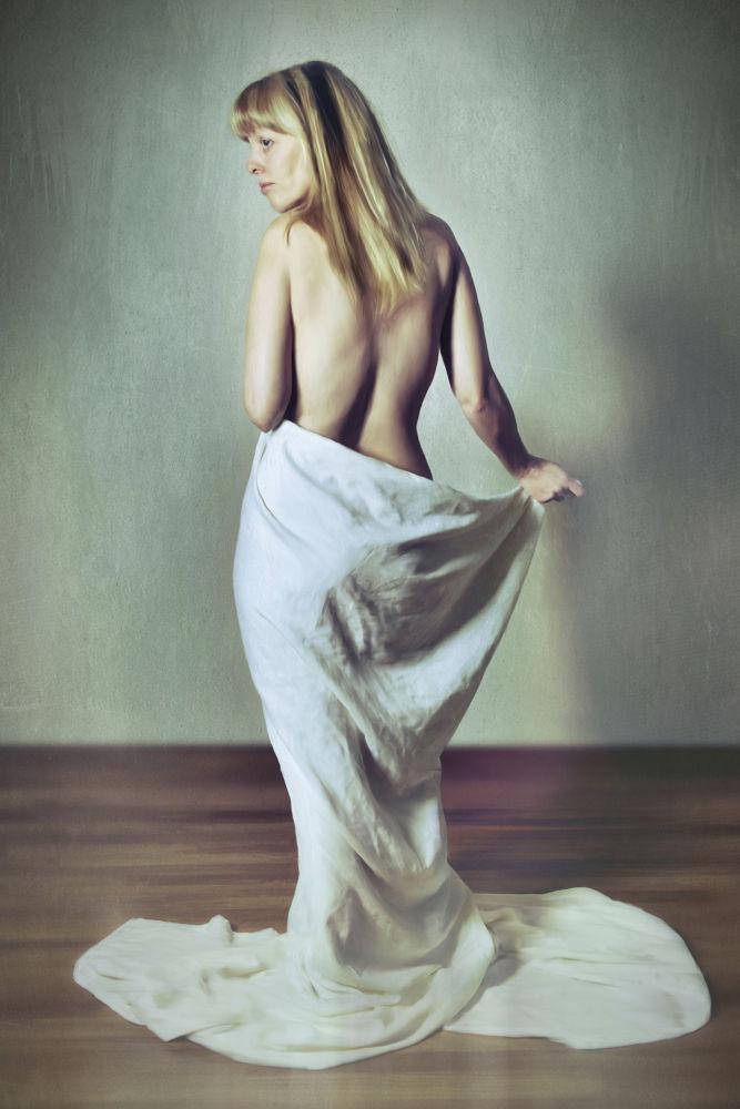 Photo in Fashion #oil painting #oil painting nude #nude painting #bosquez #roni bosquez #bobby bosquez #mpd studio #pocatello portrait photographe